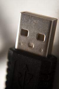 USB, numerosi rischi per tutti i computer in circolazione