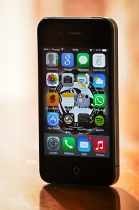 """<span class=""""entry-title-primary"""">Il messaggio di testo che blocca l'iPhone</span> <span class=""""entry-subtitle"""">Alcuni utenti Reddit hanno scoperto il problema, che riguarda sia iOS che OS/X</span>"""