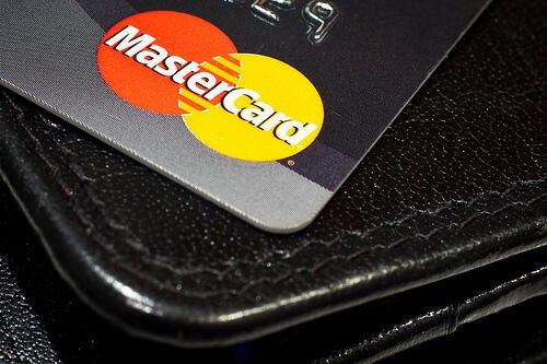 Mastercard sperimenta l'autenticazione delle transazioni via selfie (News)