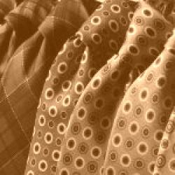 Registrare domini con estensione .clothing: dove, come e perchè
