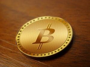 Il prezzo dei Bitcoin è raddoppiato nel 2017, ma l'attenzione deve rimanere alta