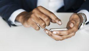 """<span class=""""entry-title-primary"""">Sulle vecchie versioni di Android, Facebook riusciva a leggere ed acquisire molti più dati del necessario</span> <span class=""""entry-subtitle"""">Un informatico neozelandese si sarebbe ritrovato una lista di chiamate effettuate e ricevute, con tanto di data, ora e durata della telefonata</span>"""