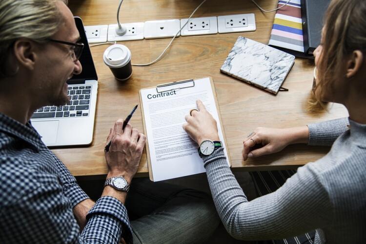 SLA (Service Level Agreement) per i servizi di hosting: cos'è e a cosa serve (Guide, Configurazione Hosting)