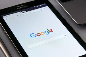 Come registrare un dominio con Google?