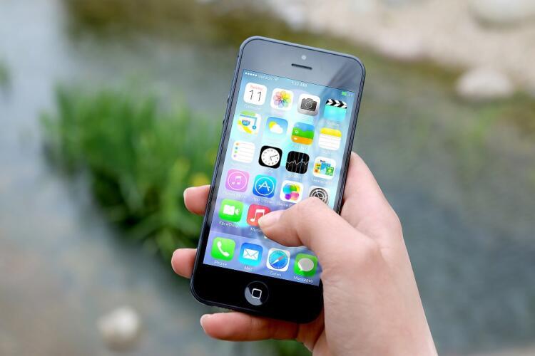 Lo sblocco di uno smartphone obbligato è un abuso di potere (News)