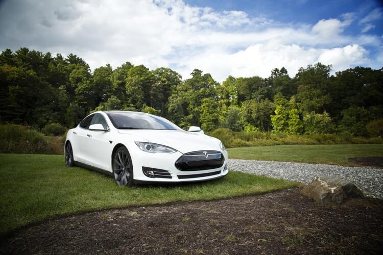 Le macchine Tesla avranno una regolamentazione più restrittiva (News)
