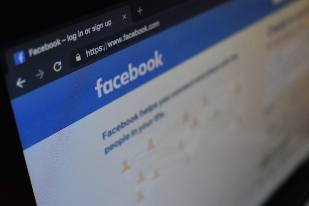 L'app di Facebook Lite salvava le password degli utenti in chiaro. Dal 2012 (News)