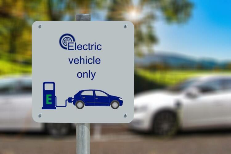 Quanto costa ricaricare la batteria di un'auto elettrica? (Guide, Nuove tecnologie)